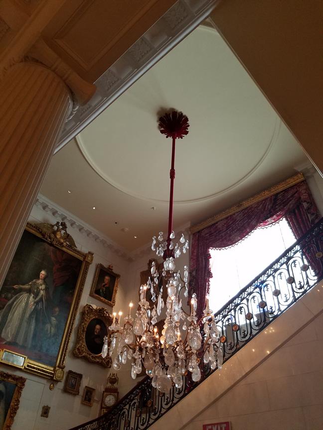 large chandelier2