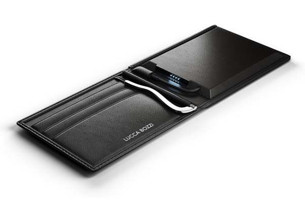 A tech wallet with built in power bank: the Lucca Bozzi solar wallet.